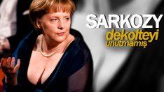 Sarko Berlusconi'ye özendi: Angela'nın…