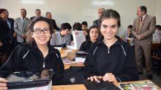 689 tablet öğrencilere dağıtıldı