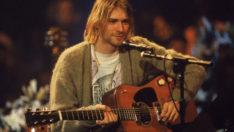 Kurt Cobain'in gitarı 6 milyon dolara satıldı