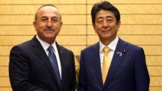 Çavuşoğlu, Abe'nin istifasından duyduğu üzüntüyü Japonca dile getirdi
