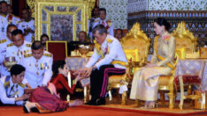 Tayland Kralı resmi metresini affedip yeniden haremine aldı