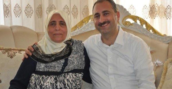 Adalet Bakanı Gül'ün acı günü! Annesi vefat etti