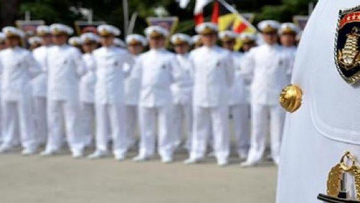 Emekli amirallerin muvazzaf subaylarla irtibatları var mı?