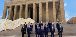 Yeni HSK üyeleri Anıtkabir'i ziyaret etti