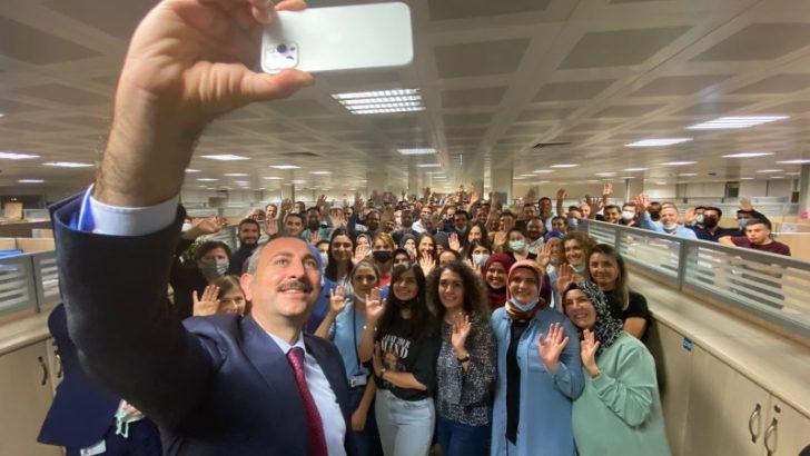 Adalet Bakanı Gül, UYAP güncellemesini takip etti